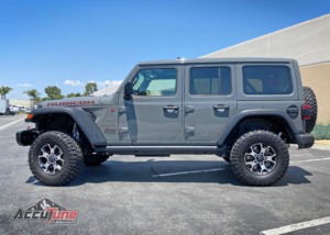 "Jeep JL with AccuTune Offroad 2.5"" Lift with LT285/70R17 tires (32.7"")"